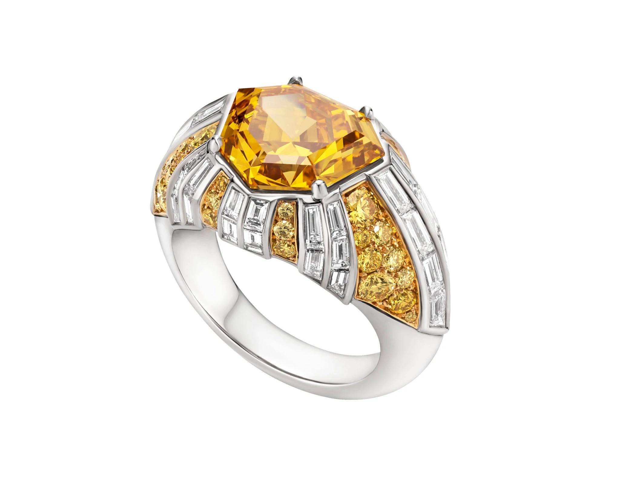 宝格丽5.02克拉黄橙色天然钻石戒指