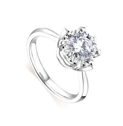 六福珠宝 爱很美 18K金钻石戒指