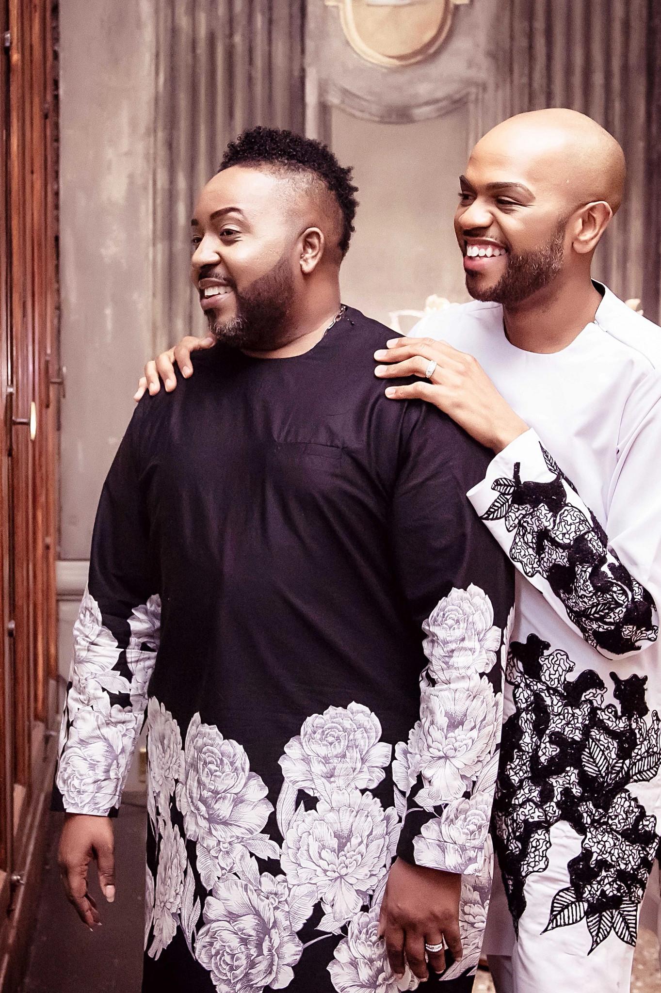 莱斯特-梅西夫妇在尼日利亚的拉各斯定制了婚礼的礼服