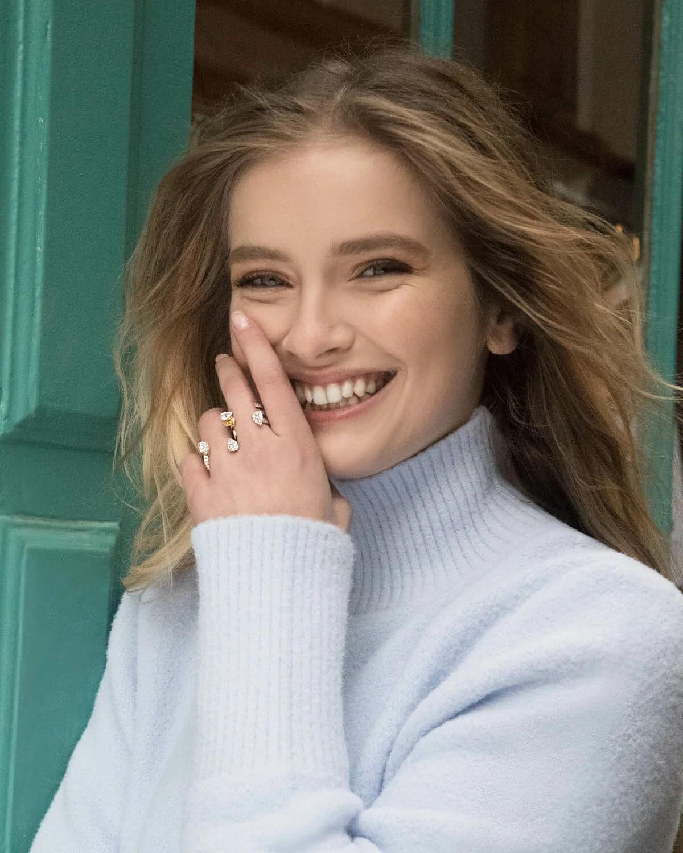 卡米尔·拉扎特佩戴高级珠宝品牌Repossi的珠宝
