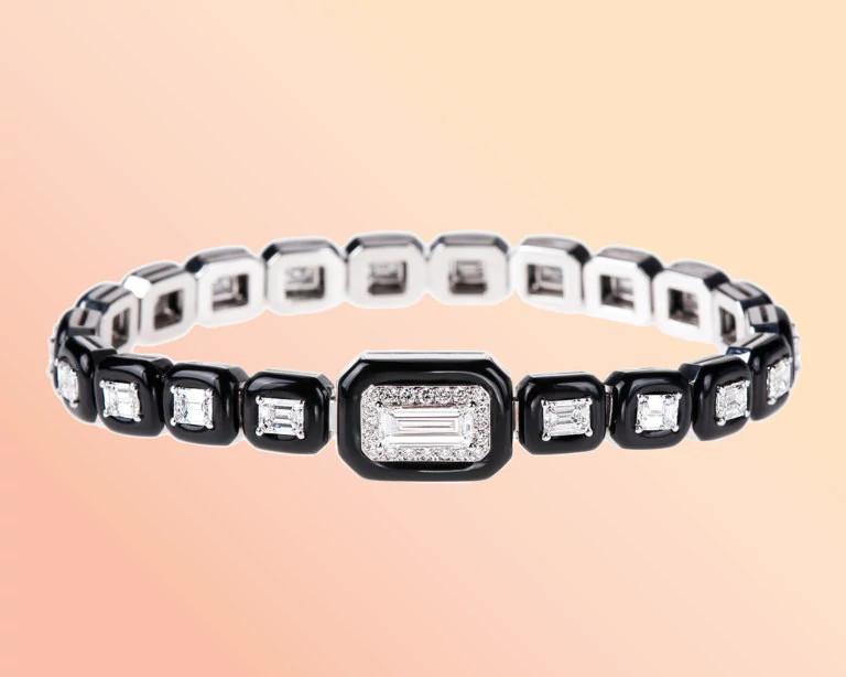 尼科斯·库里斯设计的天然钻石手链