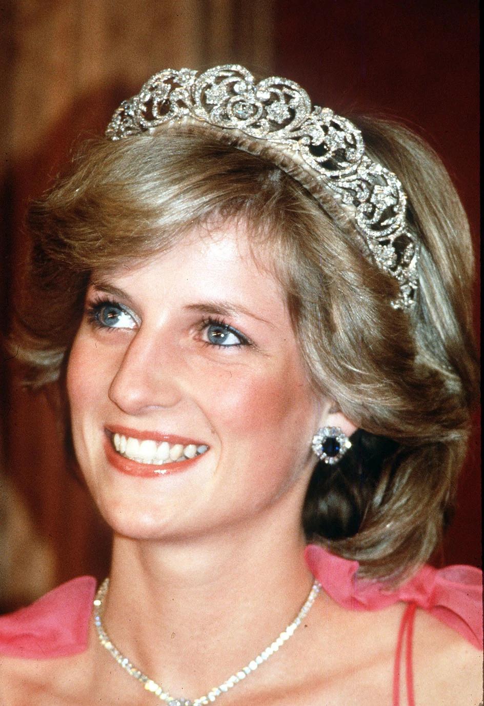 玛丽女王的艺术装饰风格祖母绿和天然钻石颈链