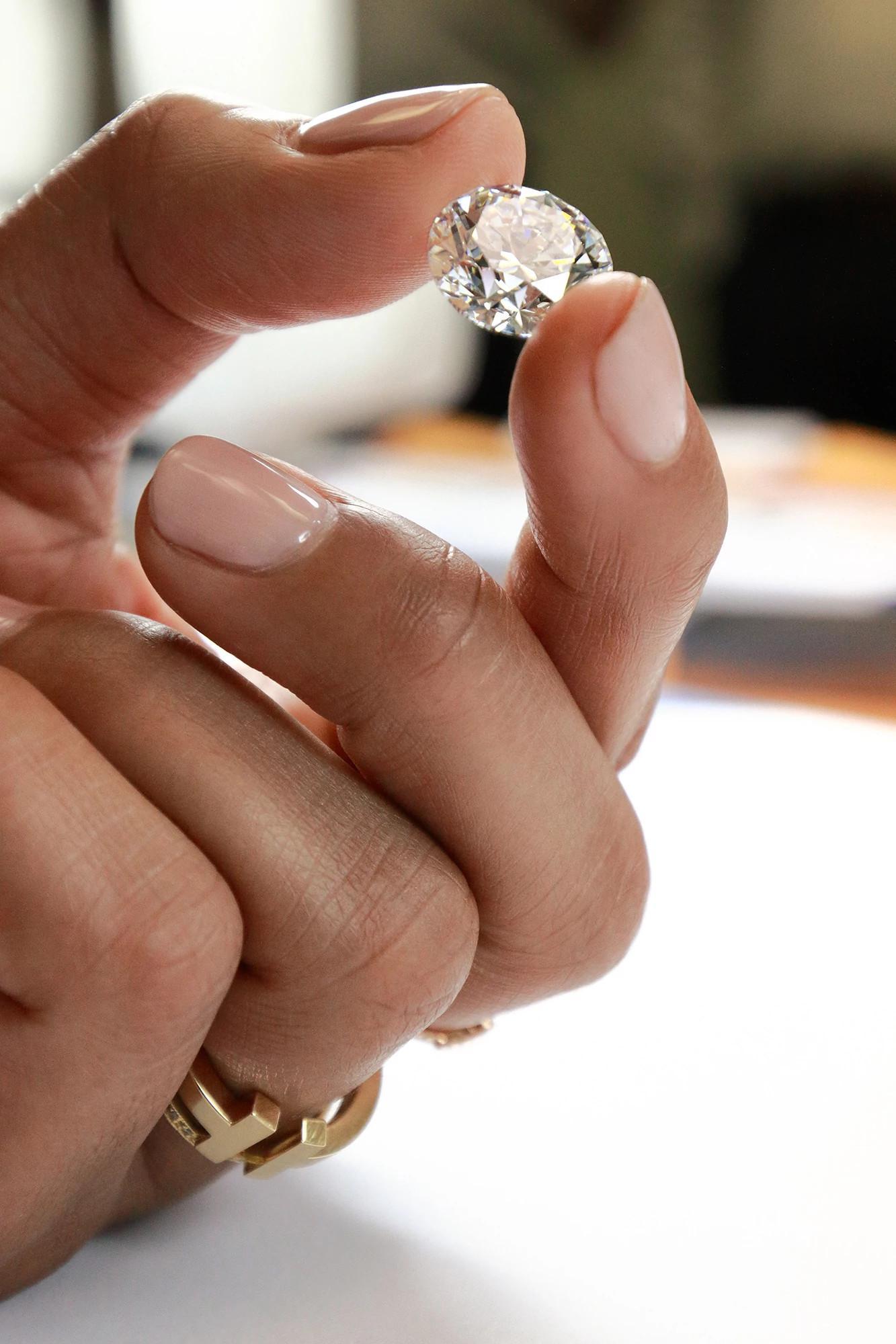 蒂芙尼工坊的天然钻石