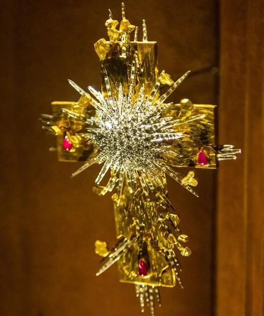 光芒基督十字架