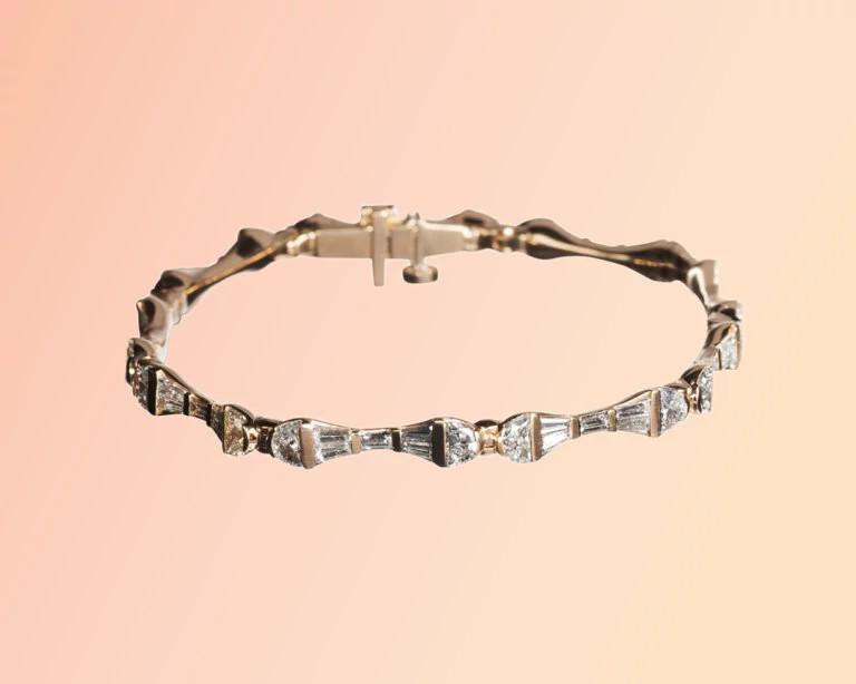 纳克·阿姆斯特朗设计的天然钻石手链